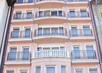 """пл. """"Възраждане"""" №2, Плевен, Hotel Renaissance"""