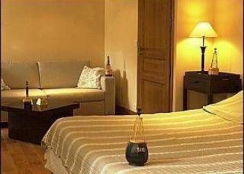 Hotel Cancale, Les Douets Fleuris, Manoir Des Douets Fleuris