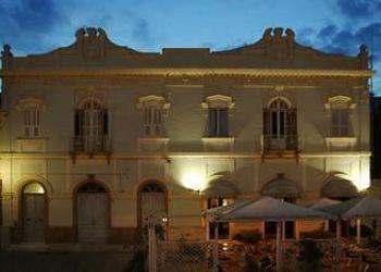 Corso Cavour 62, 9014 Carloforte, Hotel Hieracon