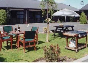 Hotel Blenheim, 72 Main St, Aston Court Motel