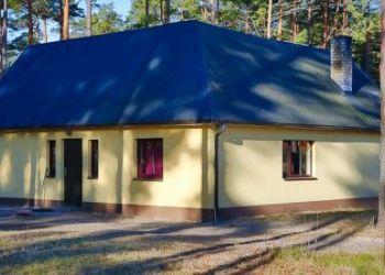 Metsaääre majutus, Tahkuranna vald, Pärnu maakond, Metsaääre majutus