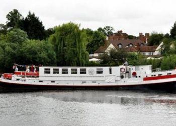 Mapledurham Village, RG4 7TR Reading, African Queen Hotel Boat
