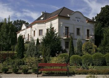 Hotel Eger, Tulipánkert u. 5, Hotel Villa Völgy***
