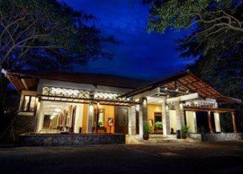 Hotel Bandar Lampung, JALAN WOLTER MONGINSIDI NO.175 BANDA, Hotel Sheraton Lampung****