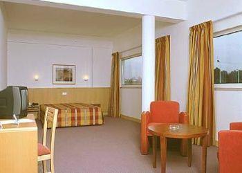 Hotel Gagos, Autopista A7, Km 5.15, As Ceide