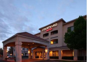 Hotel Desert View Highlands, 530 West Avenue P, Courtyard Palmdale
