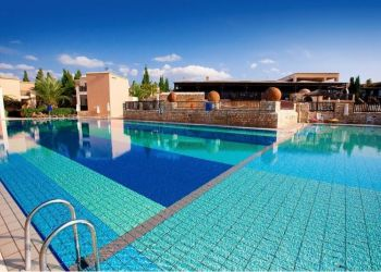 Hotel Paphos, 16 St. Gerorge Street,, Aparthotel Akteon Holiday Village****