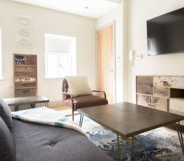 Apartment London, 34 St George St Mayfair,, Studio flat 42sq. ft for max. 3 guests ( not shared )