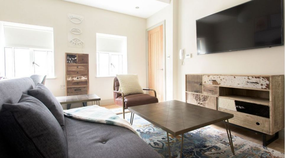 Studio flat 42sq. ft for max. 3 guests ( not shared ), 34 St George St Mayfair,, W1S 2FN London