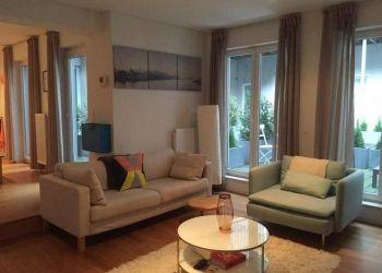 3 bedroom apartment Paris, 107 rue villiers de l'isle adam, Louise: I have a room