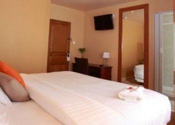Hotel Saint-Pierre, 16 rue Georges DaguerreF97500 Saint-Pierre et Miquelon, Bernard ARROSSAMENA