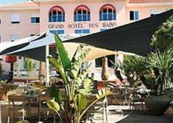 Boulevard Estienne d'Orves, F-83310 Sanary-sur-Mer, Hotel Grand des Bains***