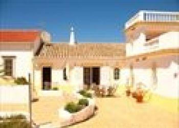 Edifício Olhos do Mar - Torre da Medronheira, 8201-926 Albufeira, Holiday home Casal de Dona Elisabeth*****