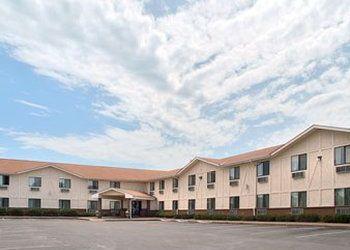 581 S Marshall Rd, Minnesota, Super 8 Motel