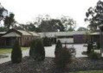 66 Emily Street Seymour, 06483 Seymour, Comfort Inn Coach & Bushmans, Seymour 3*