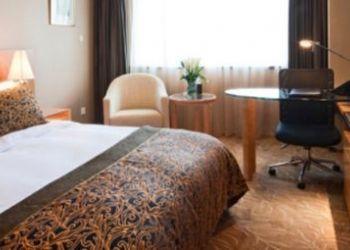 Hotel Hainburg an der Donau, Hauptpl 21, Café - Hotel - Restaurant ur 'goldenen Krone'  
