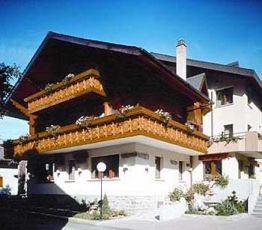 Dorfstrasse, 3951 Agarn, Hotel Minotel Central**