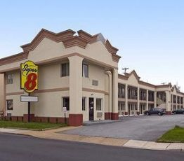 268 E Main St, 19711 Newark, Hotel Super 8 Newark, DE**